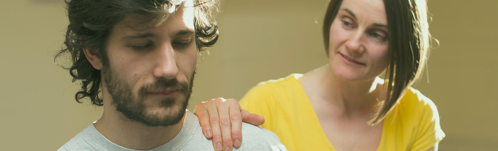 shiatsu acupressure shoulders close up faces